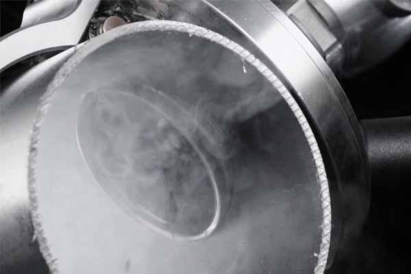 Anwendung Loch in Rohr bohren